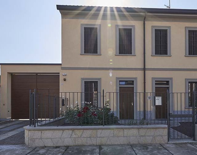 https://www.edilmaltagliati.it/wp-content/uploads/2019/07/Villa-Calvcaterra-Edilmaltagliati-1-640x506.jpg